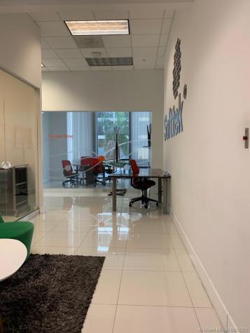 1200 Brickell Ave Miami FL 33131