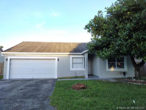 13417 SW 116th Ct Miami FL 33176