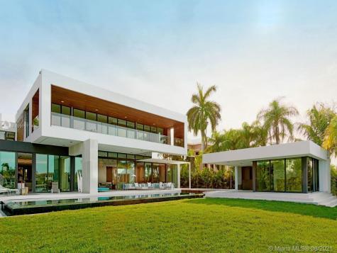 135 Palm Ave Miami Beach FL 33139-5139