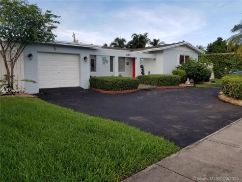 2045 NE 202nd St Miami FL 33179
