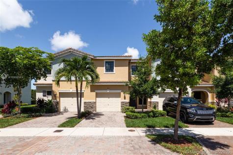 403 NE 194th Ln Miami FL 33179