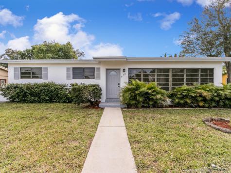 670 NE 178th St Miami FL 33162