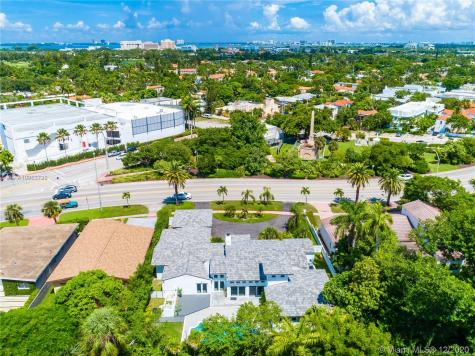 2633 Pine Tree Dr Miami Beach FL 33140
