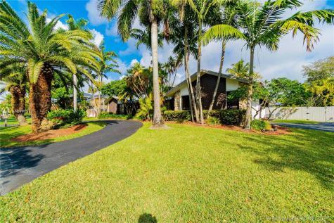 7841 SW 181 Te Miami FL 33157