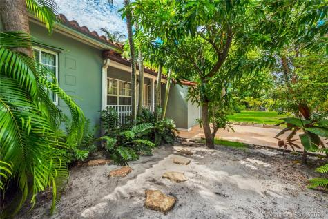 920 NW 10th Ave Miami FL 33136