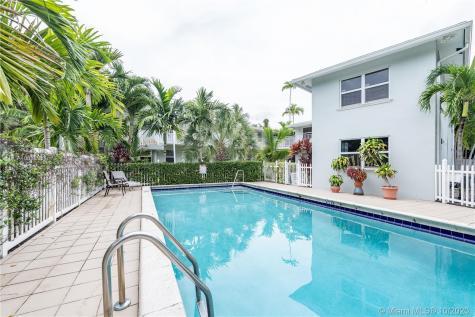 417 NE 17th Ave Fort Lauderdale FL 33301
