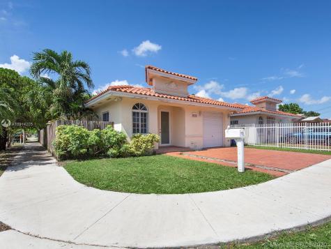 5893 SW 3rd St Miami FL 33144