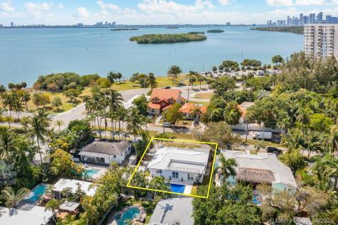 901 NE 71st St Miami FL 33138