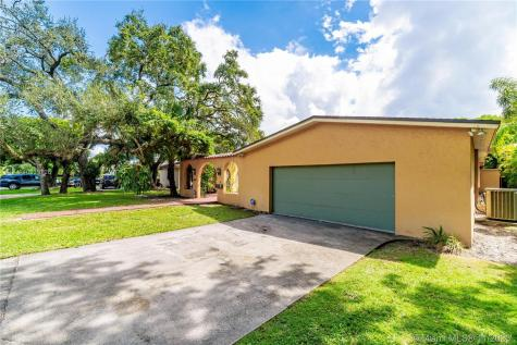 4610 SW 13th St Miami FL 33134