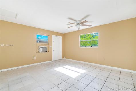 1495 SW 28th Ave Fort Lauderdale FL 33312