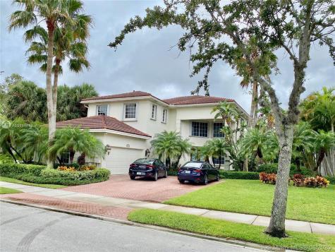 19448 NE 17th Ave Miami FL 33179