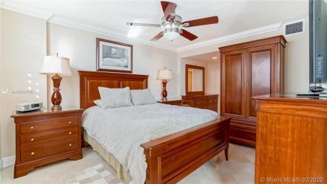 401 Ocean Dr Miami Beach FL 33139