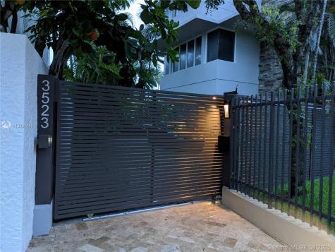 3523 N Bay Homes Dr Miami FL 33133