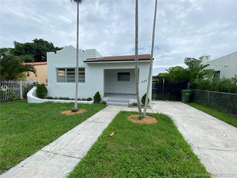 2257 SW 11th St Miami FL 33135