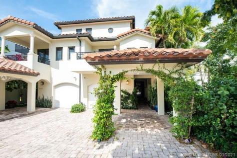 1627 NE 1st St Fort Lauderdale FL 33301