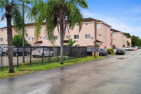 12015 SW 14th St Miami FL 33184