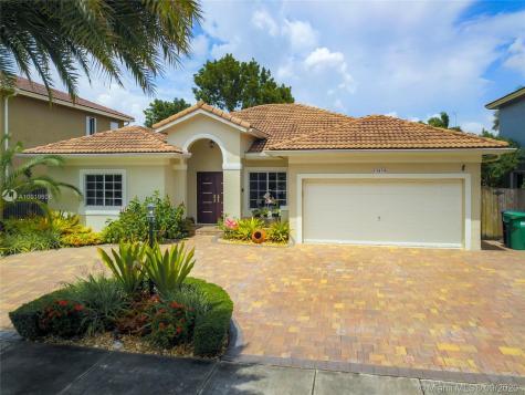 15859 SW 147th Ln Miami FL 33196