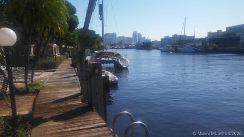 980 NW N River Dr Miami FL 33136