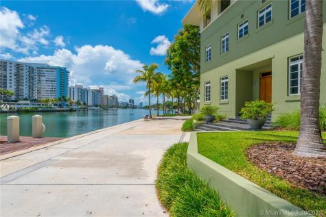 6000 Aqua Path Miami Beach FL 33141