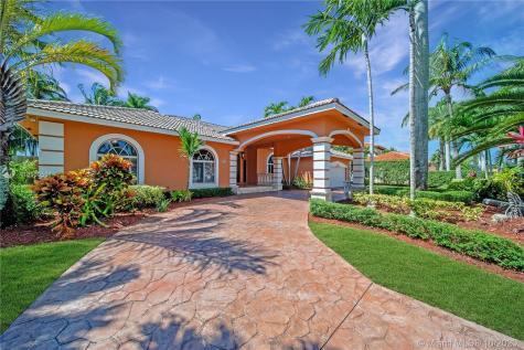 9820 SW 148th Ter Miami FL 33176
