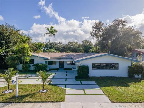 2060 NE 199th St Miami FL 33179