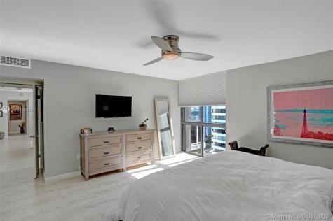 9 Island Ave Miami Beach FL 33139