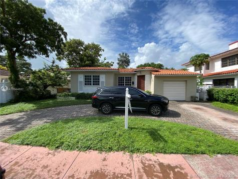 6120 Pine Tree Dr Miami Beach FL 33140