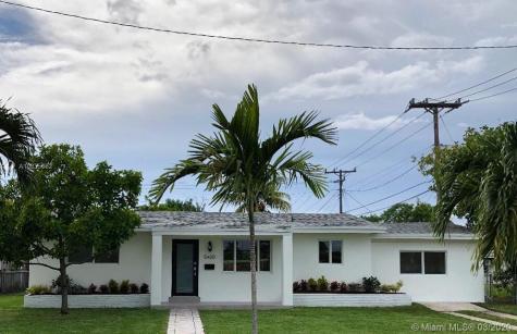 5420 SW 93 Avenue Miami FL 33165