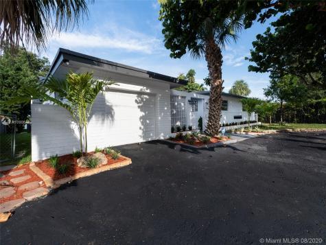 18821 NE 18th Ave Miami FL 33179