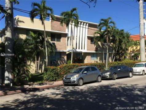 4740 Pine Tree Dr Miami Beach FL 33140