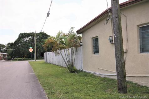 3700 SW 13th Ct Fort Lauderdale FL 33312
