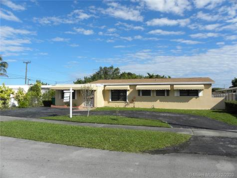 2815 SW 105th Ct Miami FL 33165
