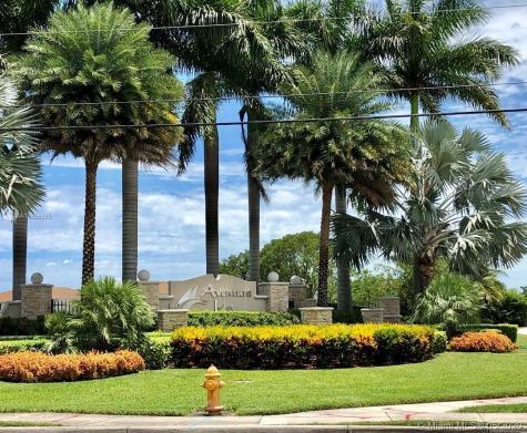 376 NE 194th Ln Miami FL 33179