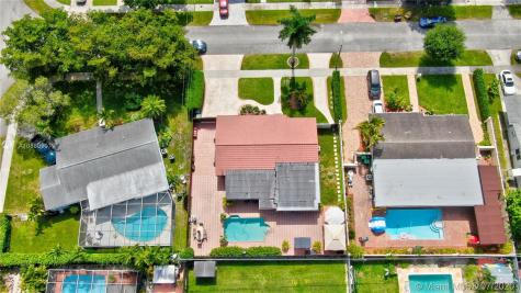 4940 SW 95th Ct Miami FL 33165