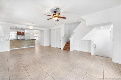 1033 NE 17th Way Fort Lauderdale FL 33304