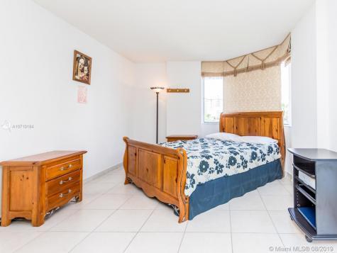 1621 Bay Rd Miami Beach FL 33139