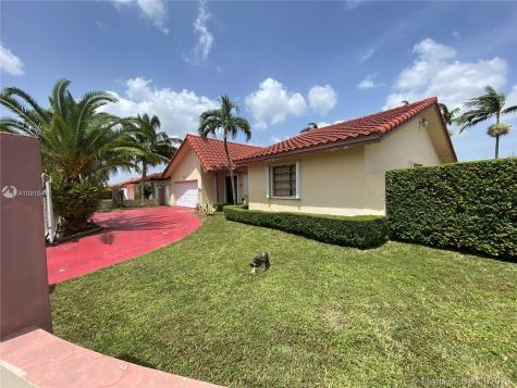 14215 SW 39th St Miami FL 33175