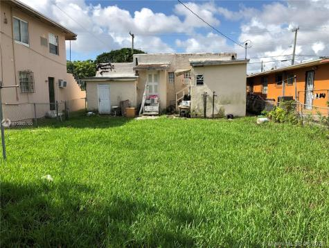 2325 NW 35th St Miami FL 33142