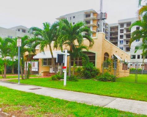 2113 SW 9th St Miami FL 33135