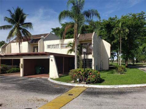 6500 Kendale Lakes Dr Miami FL 33183