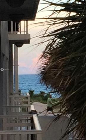 325 Ocean Dr Miami Beach FL 33139
