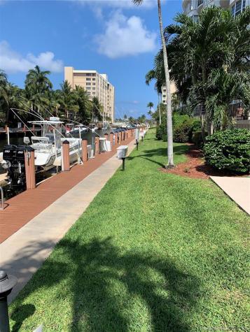 3051 NE 48th Street Fort Lauderdale FL 33308