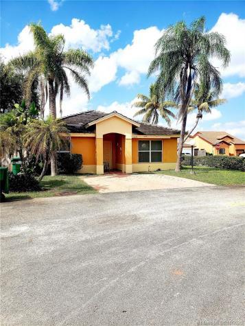 5274 NW 188th St Miami Gardens FL 33055