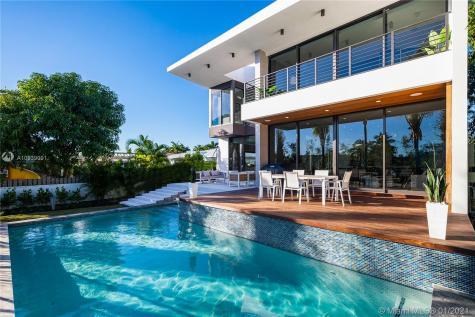 770 S Shore Dr Miami Beach FL 33141