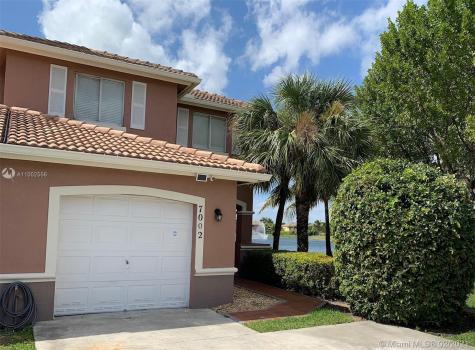 7002 SW 164th Ct Miami FL 33193
