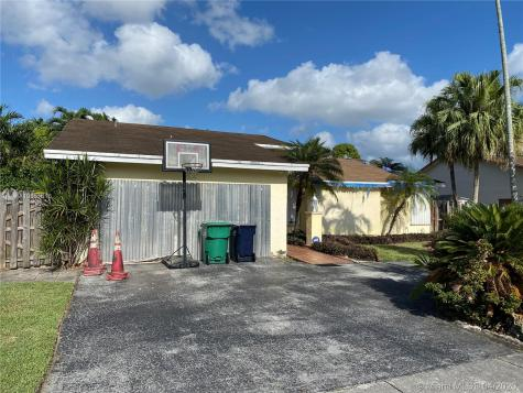 9221 SW 134th Pl Miami FL 33186