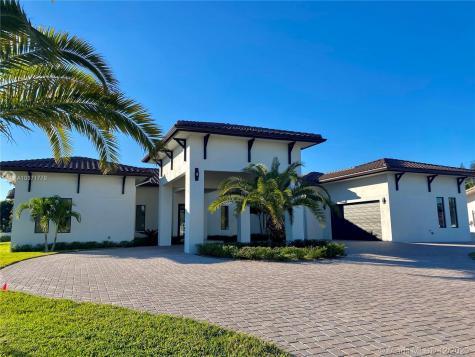 320 SW 125 Avenue Miami FL 33184