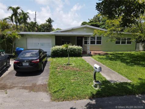 1069 NE 109th St Miami FL 33161