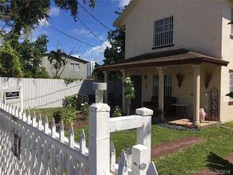160 NW 27th St Miami FL 33127