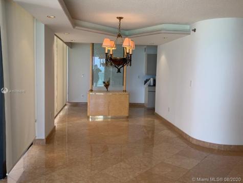 5757 Collins Ave Miami Beach FL 33140